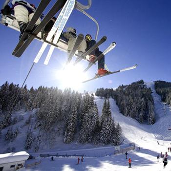 Важно знать, что дороже всего отдых в горах обойдется в новогодние каникулы и во второй половине февраля.