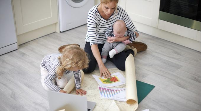 Дети не вредят карьере женщины. Это делают мужчины