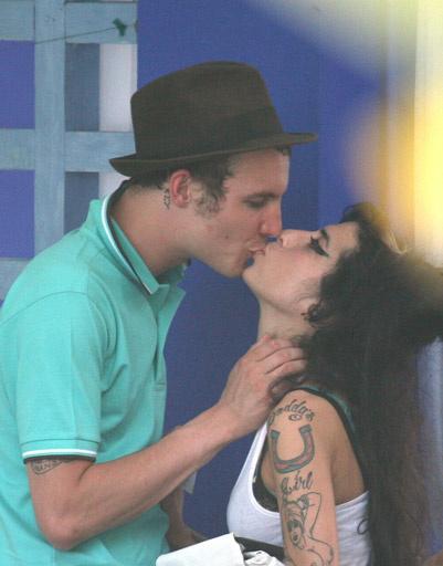 Эми Уайнхаус (Amy Winehouse) с мужем Блейком Филдером (Blake Fielder-Civil)