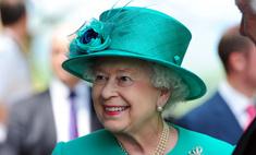 Цвет королевы: какой оттенок лака выбирает Елизавета II?
