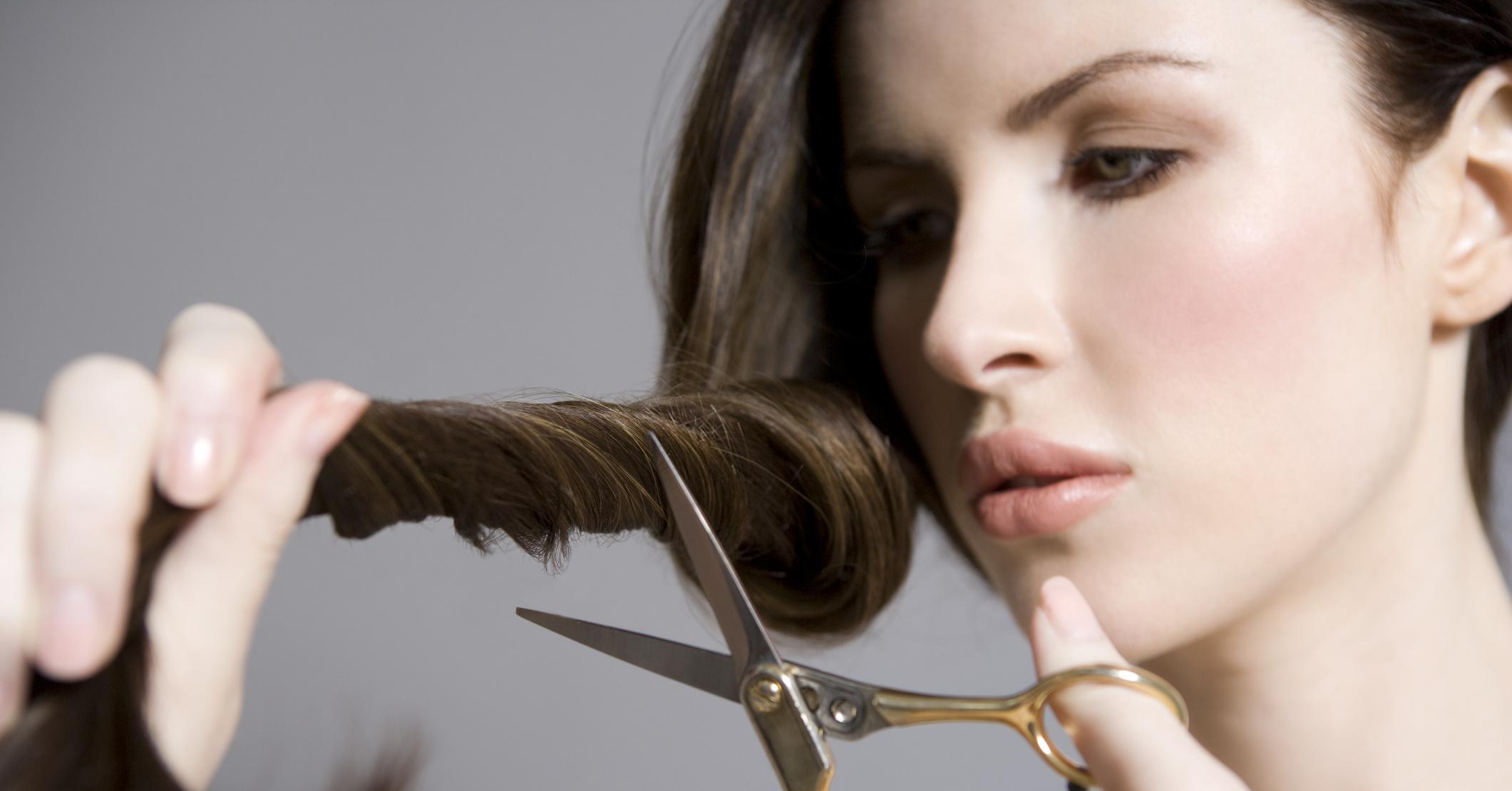 К чему снится стричь волосы кому либо