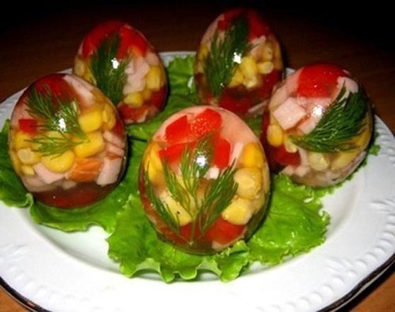 Заливные яйца, фото