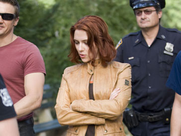 Скарлетт Йоханссон (Scarlett Johansson) обратилась за помощью к ФБР