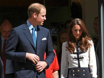 Первенцу Кейт Миддлтон (Kate Middleton) и принца Уильяма (Prince William) может достаться королевский трон