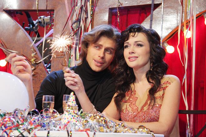 Анастасия Заворотнюк со своим мужем, фигуристом Петром Чернышевым.