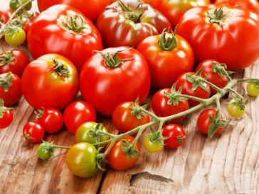 Ученые советуют впивать по 500 мл томатного сока в день