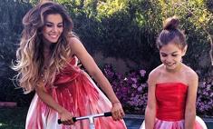 Анна Седокова и ее дочь примерили одинаковые наряды