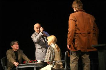 Впервые спектакль был показан в июне этого года в Петербурге на летних гастролях «Ленкома».