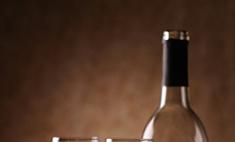 Белое вино так же полезно, как и красное