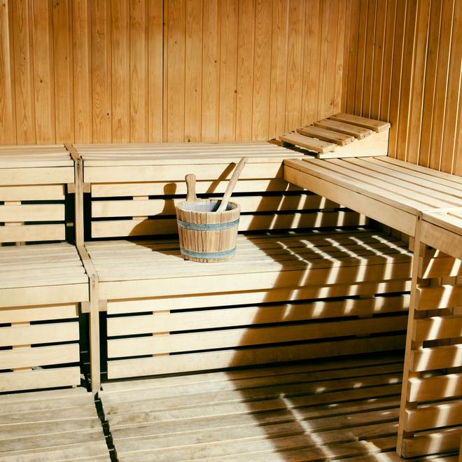 как почистить стены в бане от сажи