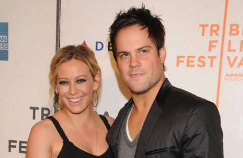 Хилари Дафф (Hilary Duff) и ее муж Майк Комри (Mike Comrie)
