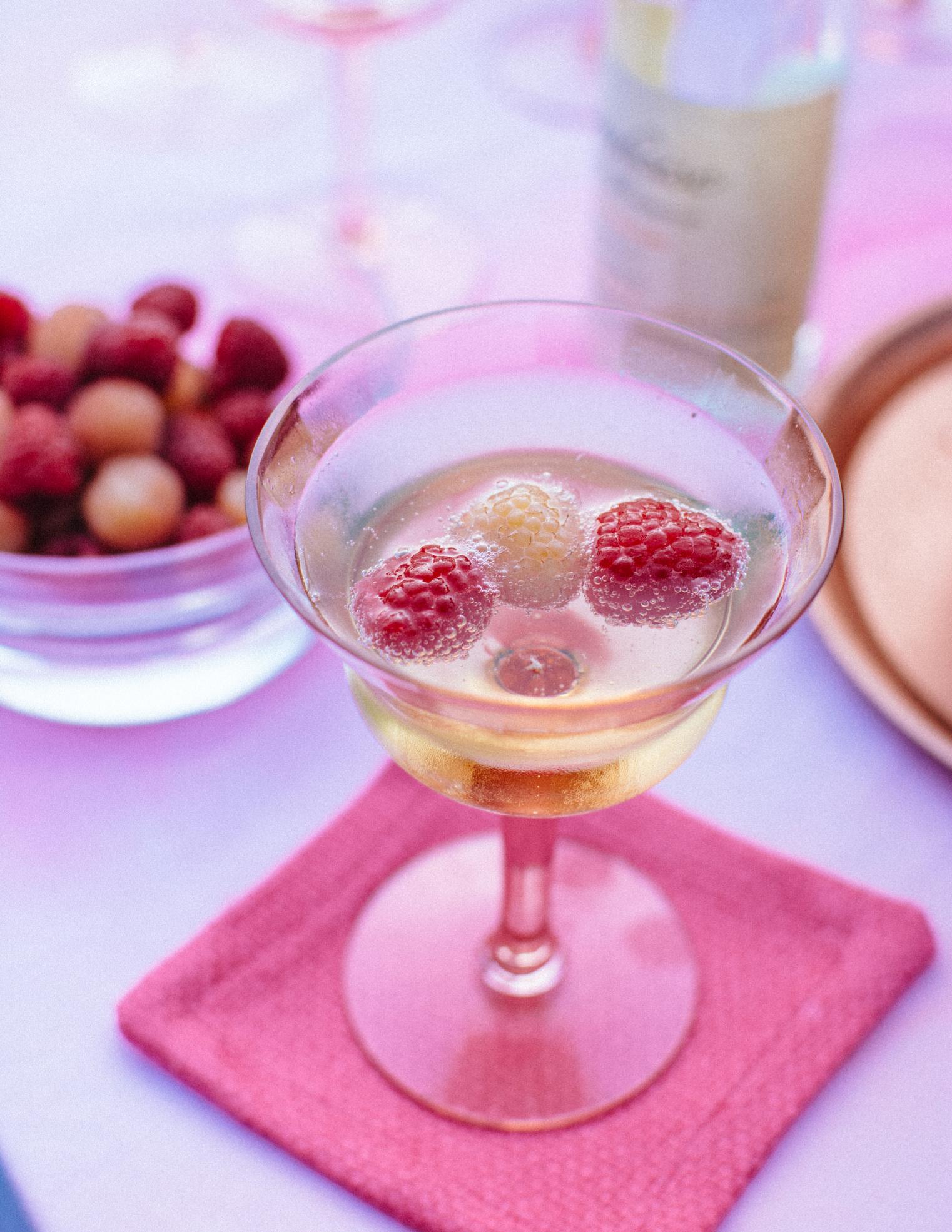 Как сделать малиновое вино - 3 рецепта вина из малины в 10