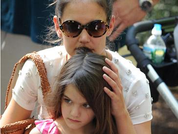 Кэти Холмс (Katie Holmes) с дочкой Сури
