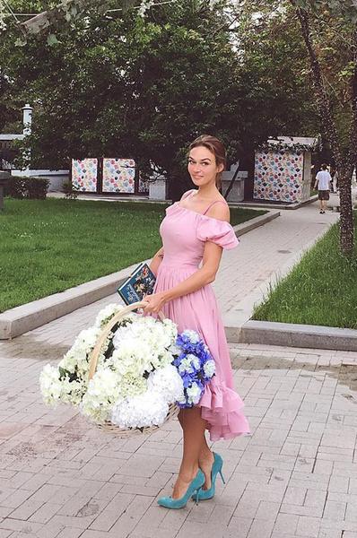 Алена Водонаева: фото