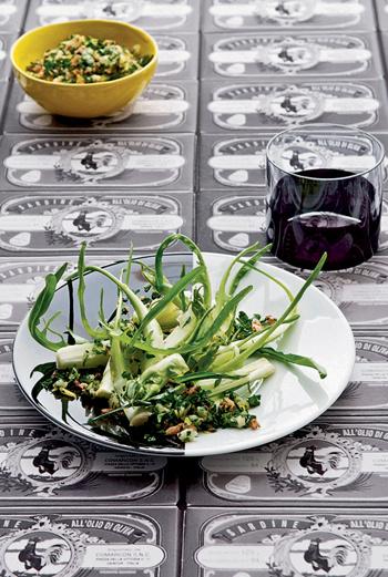 Салат из цикория с рыбной заправкой