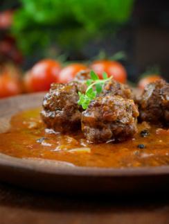 Фрикадельки из баранины с медовым соусом