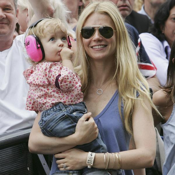 Гвинет Пэлтроу трогательное фото с дочкой в Instagram