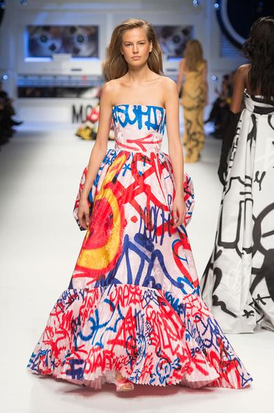Показ Moschino на Неделе моды в Милане | галерея [5] фото [2]