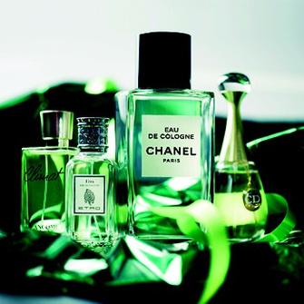 Туалетная вода Climat, Lancôme – Туалетная вода Etra, Etro – Одеколон Eau De Cologne, Chanel – Парфюмерная вода J'adore, Dior.