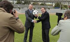 Где в Омске Жерар Депардье и Тим Рот сыграют в футбол?