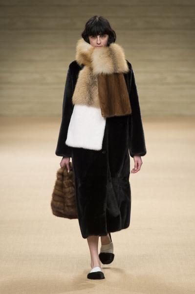 Самые красивые образы Недели моды в Милане | галерея [1] фото [4]