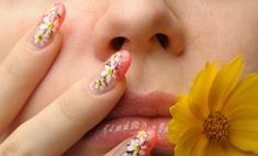 Рисовать акрилом на ногтях легко!