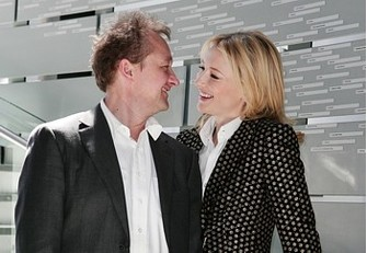Актриса Кейт Бланшетт (Cate Blanchett) и ее муж Эндрю Аптон (Andrew Upton) в качестве арт-директоров «Sydney Theatre» на открытии нового театрального сезона, Сидней, Австралия.