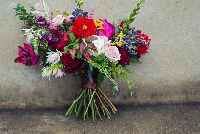 как собрать букет из цветов своими руками