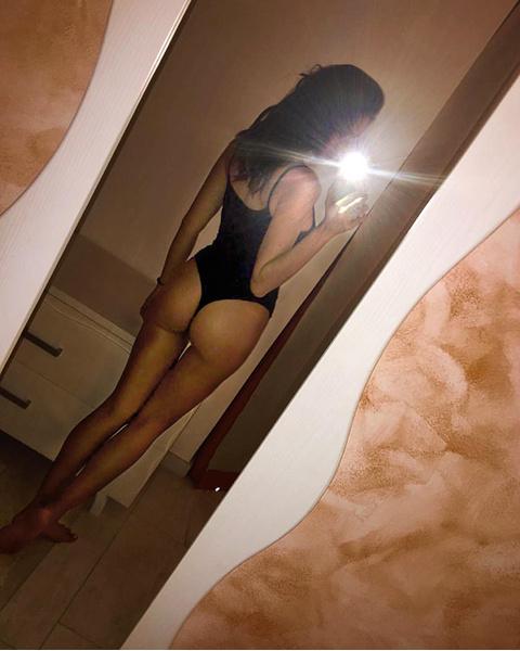 Ирина Шейк фото в купальнике