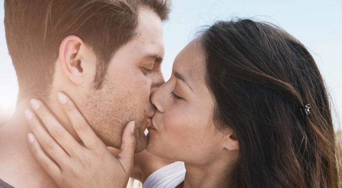 Информационный поцелуй