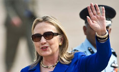 Знак протеста: Хиллари Клинтон забросали помидорами