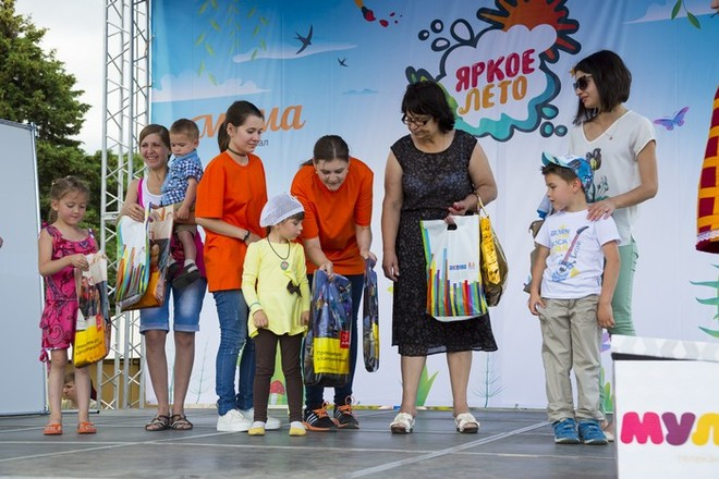 "Акция Дом.ру и Woman'd Day ""Яркое лето"" в Волгограде"