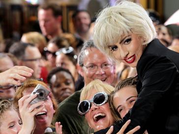 Леди ГаГа (Lady GaGa) стала самой популярной в этом году