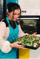 Мила Сивацкая на кухне