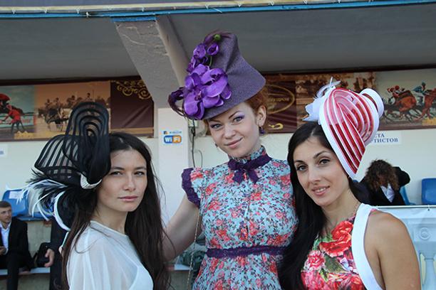 фестиваль шляпок