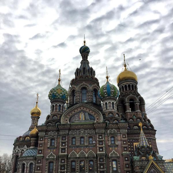 Дольче и Габбана ходят по Петербургу без охраны