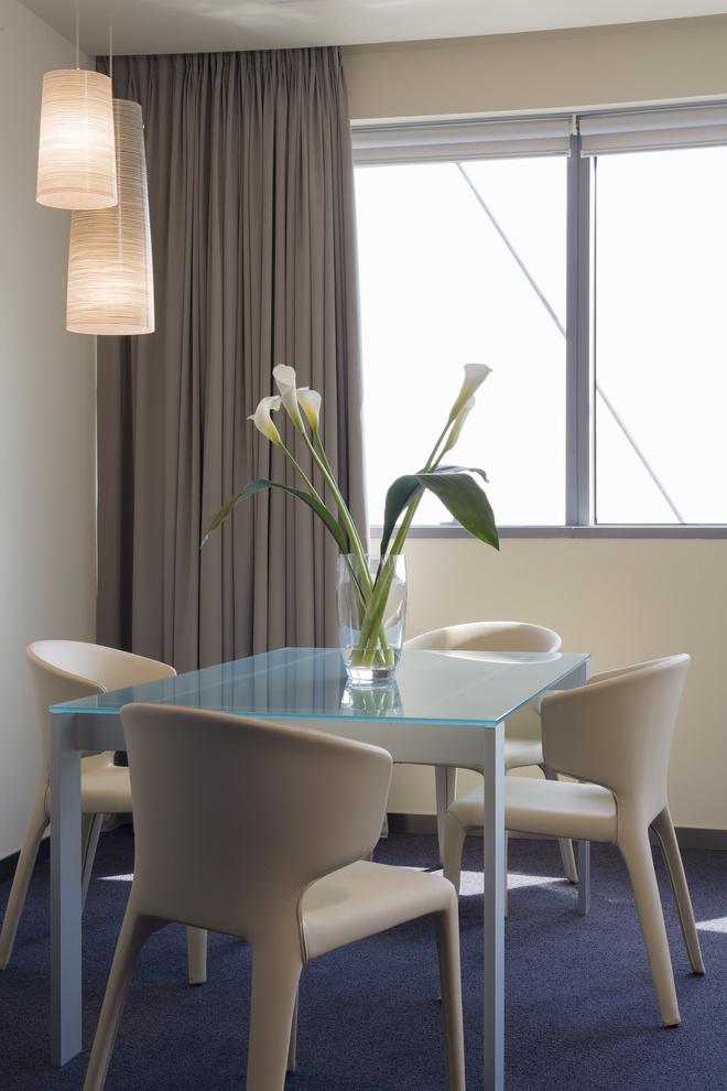 Столешница для обеденного стола закругленная столешница в ванную комнату деревянная