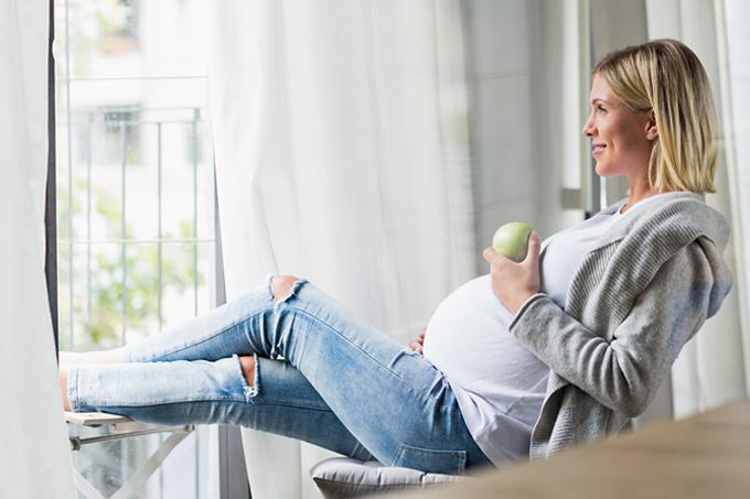 «Можно есть за двоих» и еще 4 мифа о беременности