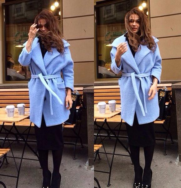 Алена Водонаева, модное пальто, стиль звезд