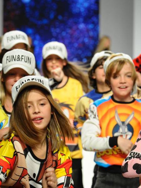 Детский мир: милые моменты с выставки Pitti Bimbo во Флоренции | галерея [1] фото [23]