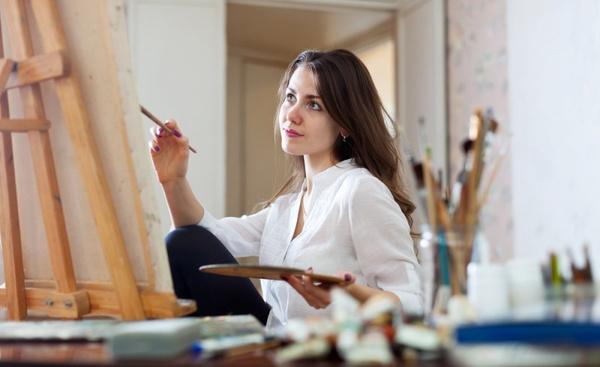 Как рисовать эскизы одежды? Видео урок
