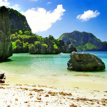 Филиппинские острова, открытые Магеланном, можно изучать, путешествуя на каноэ.