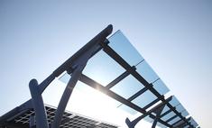 Самолет на солнечных батареях совершил первый полет