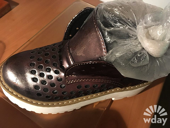 Как растянуть тугую обувь