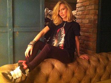 Глюк'oZa предпочитает джинсы и футболки женственным платьям и шпилькам