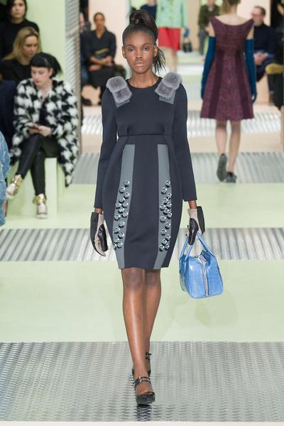 Показ Prada на Неделе моды в Милане | галерея [1] фото [15]