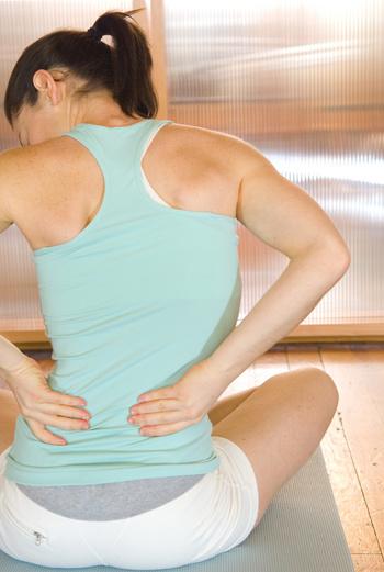 У большинства женщин поясничный прогиб находится высоко, ближе к грудному отделу. Это говорит о том, что нижние отделы позвоночника недостаточно активны.