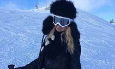 Яна Рудковская катается на лыжах в Chanel