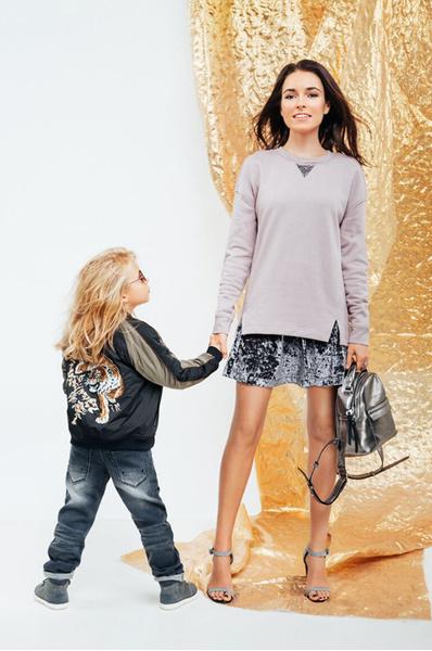 Ирена Понарошку с сыном Серафимом в новогодней коллекции Next