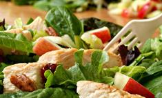 Вкусный и полезный салат с яблоками и курицей